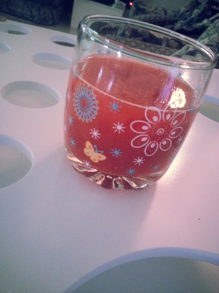 عصير التوت بالليمون