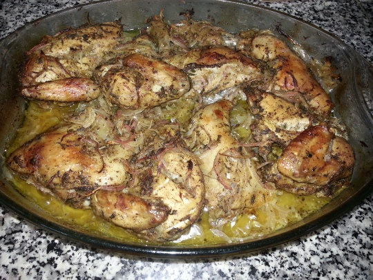 صينية الدجاج بالبطاطس والزعتر الاخضر
