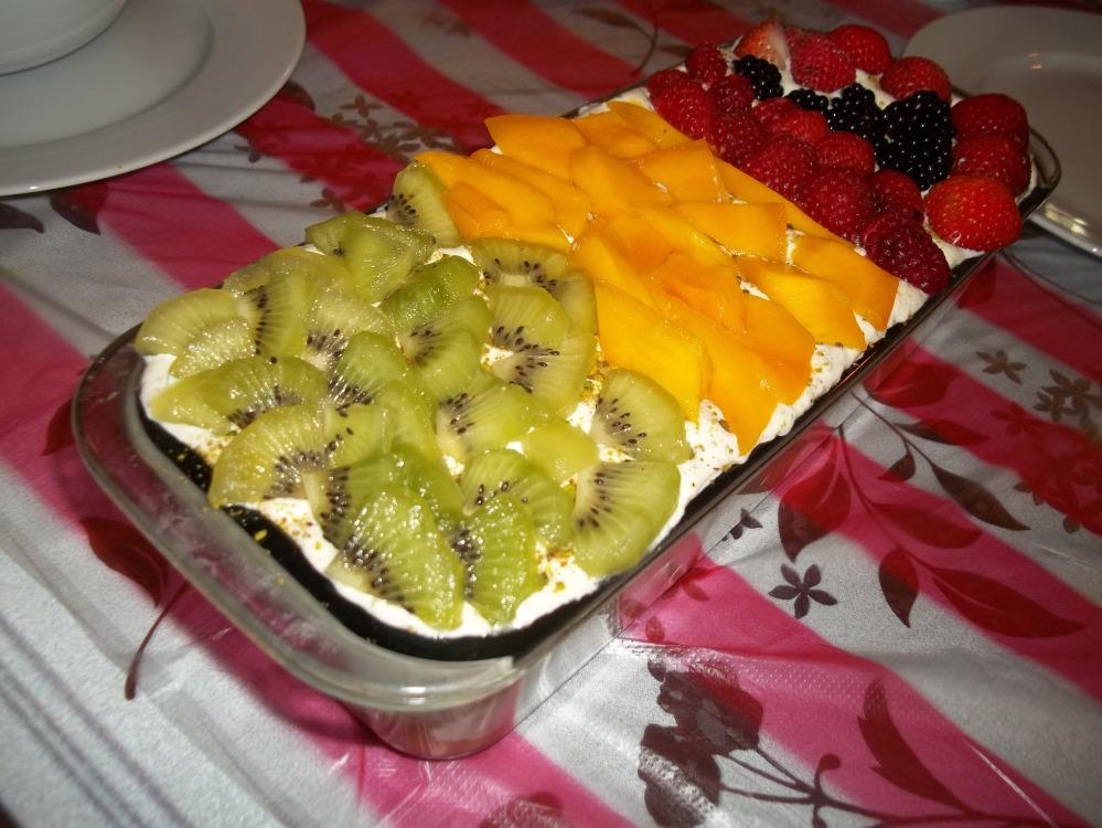 حلو الفواكه اللذيذ
